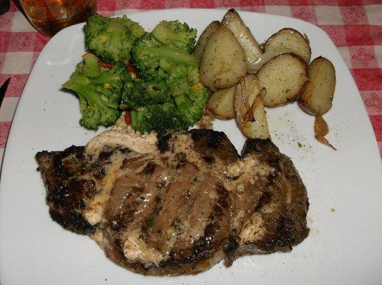 Marysville House Bar & Restaurant: Ribeye Steak. Tasted as good as it looks.