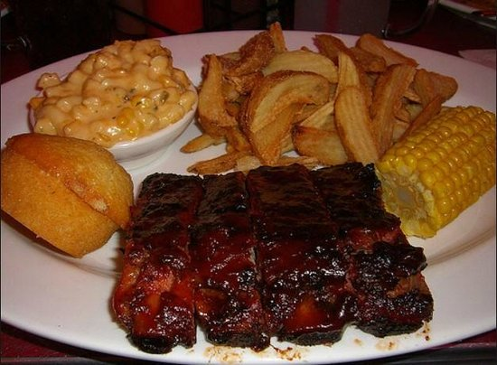 Famous Dave's: The St Louis style ribs are the best