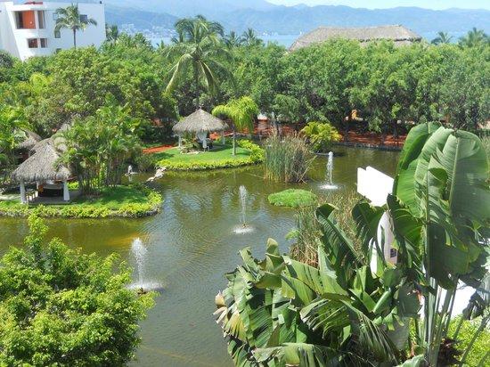 Melia Puerto Vallarta All Inclusive: Vista desde la habitacion 2303 es muy recomendada