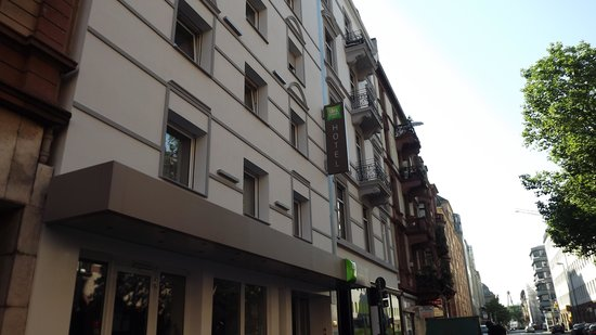 Ambassador Frankfurt Hotel: the hotel