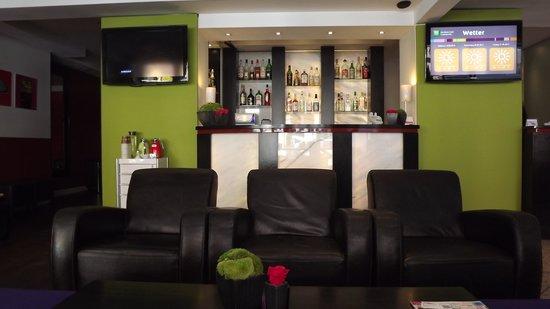 Ambassador Frankfurt Hotel: reception