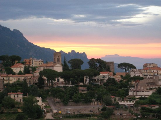 La Margherita Villa Giuseppina: Sunrise view from room 18