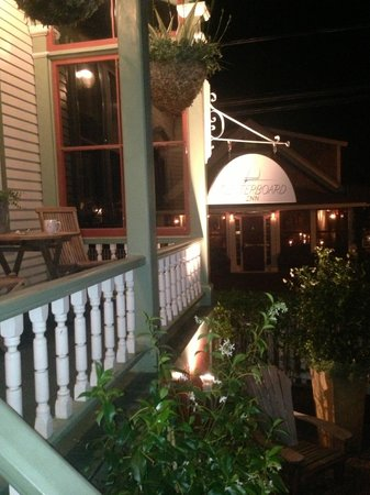 Centerboard Inn: Porch