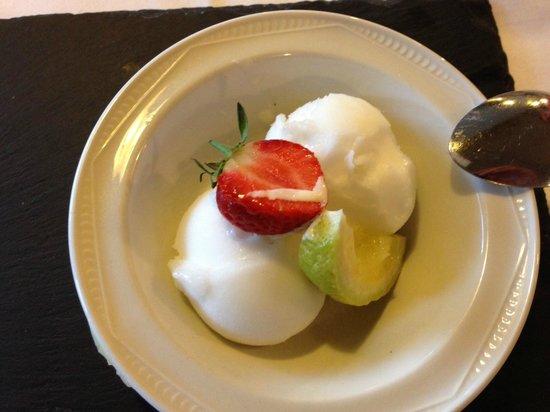 Glencoe Hotel Restaurant: Dessert; Lemoen ijs