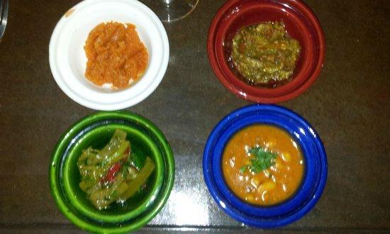 Riad Laaroussa Hotel and Spa: Entrada do jantar no Laaroussa