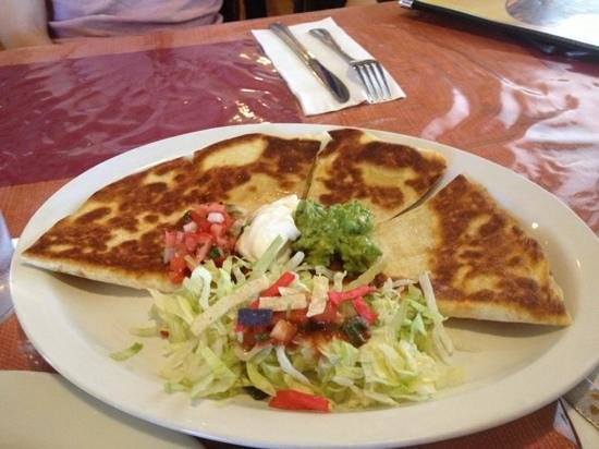 Salvador's Mexican Restaurant: cheese quesadilla