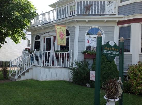 Island Home Bed and Breakfast : summerside breezes, great location on PEI