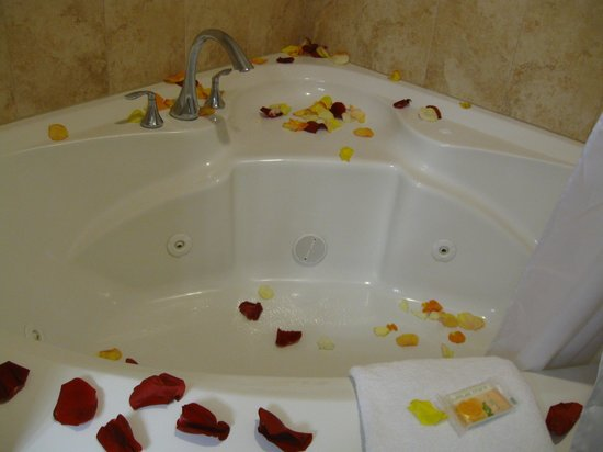 Holiday Inn Resort Daytona Beach Oceanfront: Whirlpool Tub