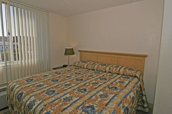 Holiday Inn Express Chesapeake - Norfolk : Deluxe Suite