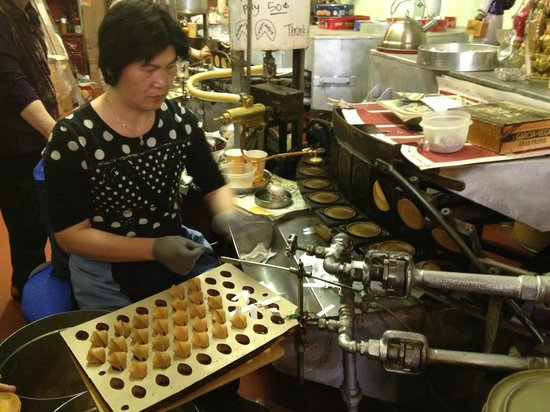 Local Tastes of the City Tours : Making Fortune Cookies