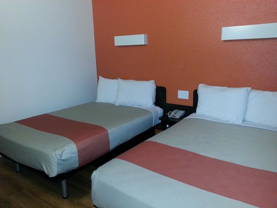 Motel 6 Carlsbad South: Beds