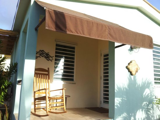 Villa Coral Guesthouse: Front of casita