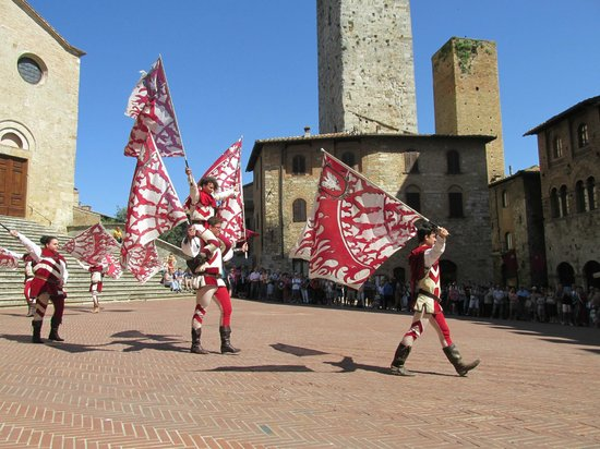 Tours in Tuscany - Private Tours: San Gimignano - Thanks to Marco Stivoli's help with a camera replacement and perfect timing driv