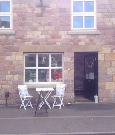 Outdoor seating - Picture of Ditsydo Tea Room, Stoke-on ...
