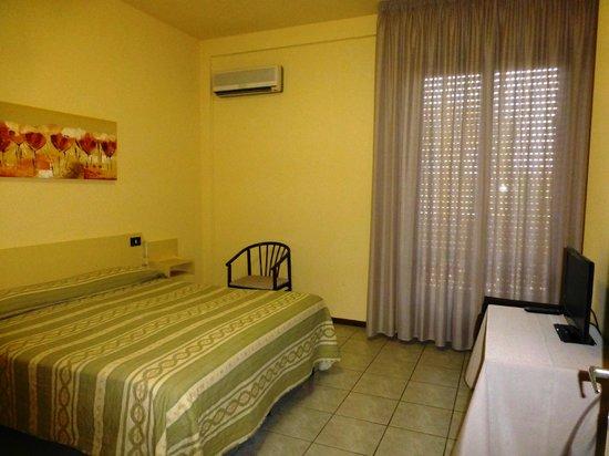 Hotel Roma: das Zimmer ist angenehm