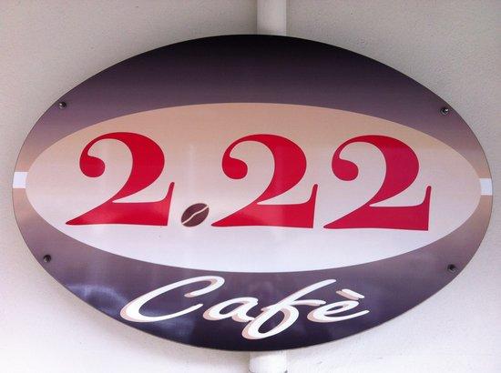 2. 22 Cafe: La nostra insegna