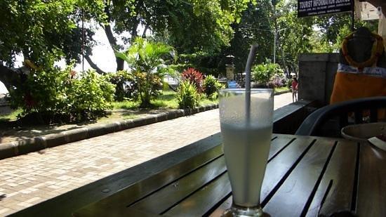 Santhi Bar-bild