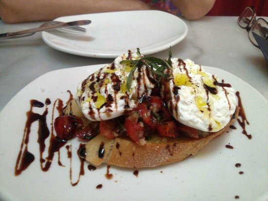 Cheesetique: Italian Burrata......The cheese is YUM