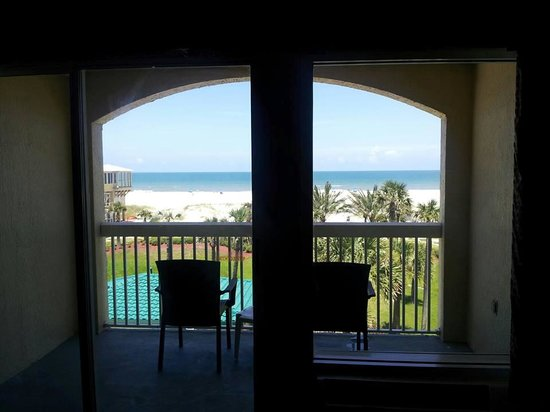 Hampton Inn St. Augustine Beach: View out the balcony window