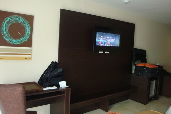 Wyndham Garden Panama City : TV do quarto
