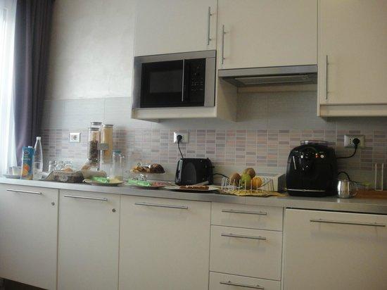 Rome Kings Relais and Suite: Desayuno, cocinita de departamento, que eso es el lugar