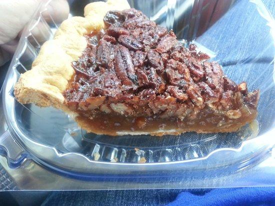 The Pecan Roll Bakery: Pecan Pie
