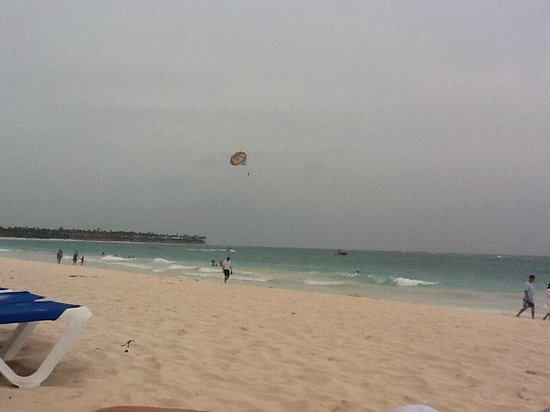 Bavaro Princess All Suites Resort, Spa & Casino: Parasailing