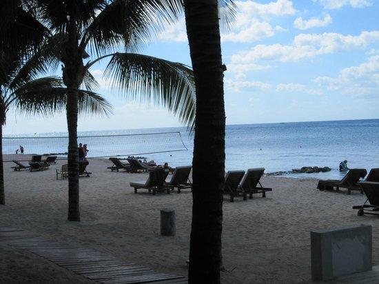 Secrets Aura Cozumel: short beach