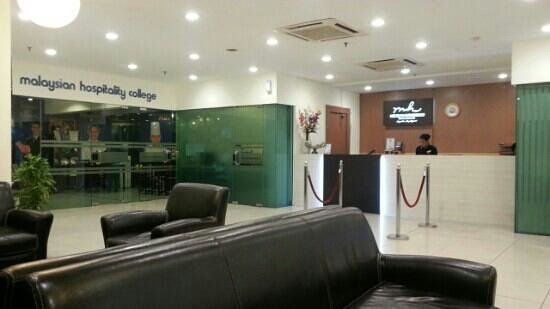 Cempaka Apartment Hotel: this is the lobby