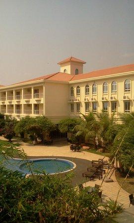 Hotel Ritz Victoria Garden: Exterior