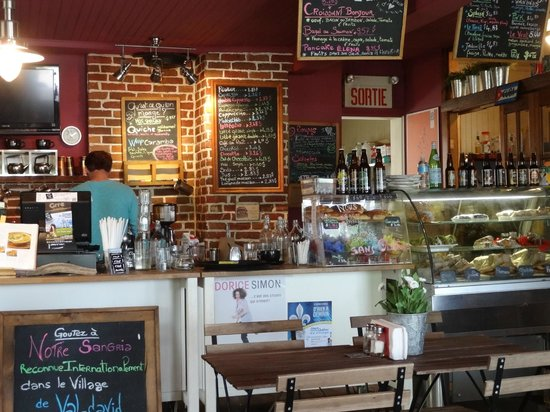 C'est la vie café : Choose from Daily Specials and Regular Features