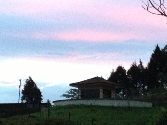 CheTica Ranch : Sunset
