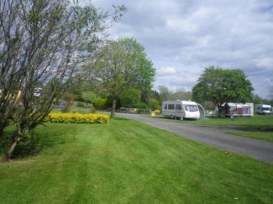 Carrowkeel Camping & Caravan Park : The park