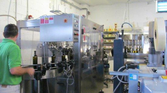 Distillerie Combier : The absinthe bottling line