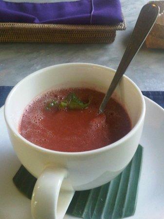 Sarudri Restaurant: Ubud Sari Health Resort (Tomato Basil Raw Soup)