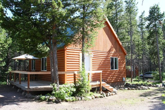 Summit Mountain Lodge: Three Bear Cabin fron tview
