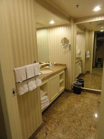 Bally's Las Vegas Hotel & Casino: Bathroom