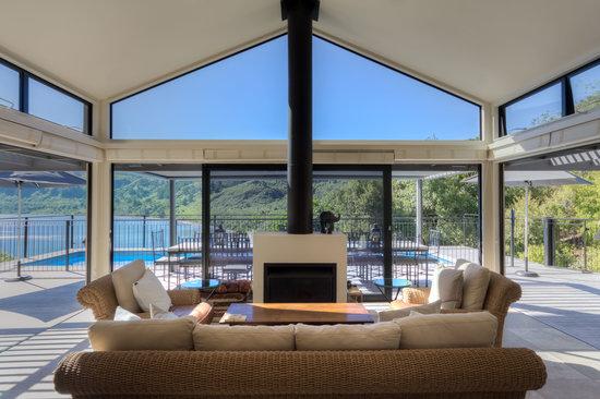 The Point Villas : Villa 1 living room