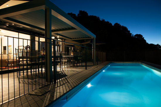 The Point Villas: Villa 1 pool by night