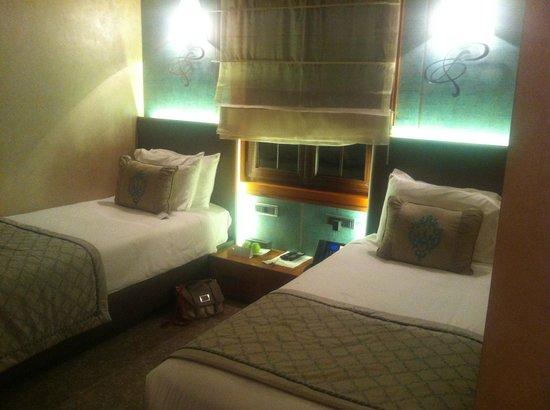 Biz Cevahir Hotel: our standard room