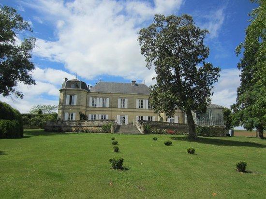 Chateau Carbonneau: Terrace side of the Chateau