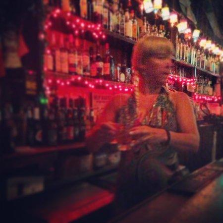 Nancy Whiskey Pub: Cheerful bartender