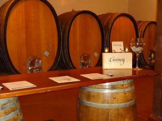 Cloud Climbers Jeep Tours : Gainey Vineyards Tasting Room
