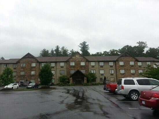 Mountain Lodge: exterior