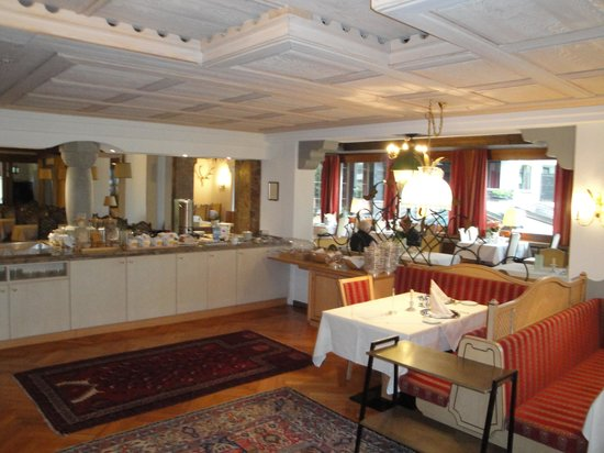 Mellau, Autriche : Restaurant and breakfast room