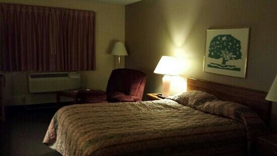 Super 8 Dodgeville: 119 room