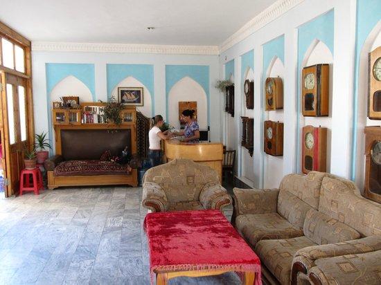 Hotel Mosque Baland: Reception