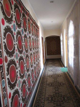 Hotel Mosque Baland: Corridor