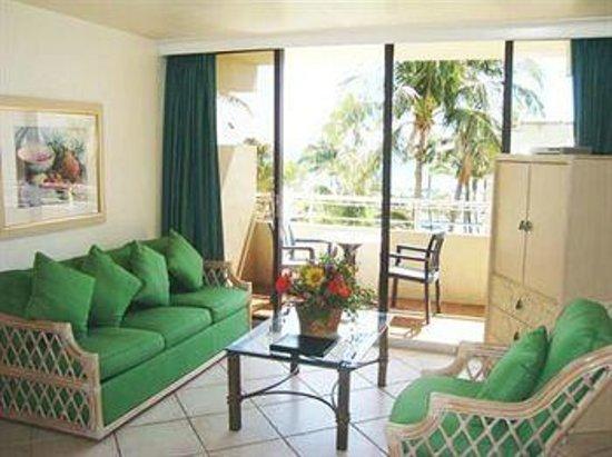 Golden Strand Ocean Villa Resort: Sala de Estar c/ sacada