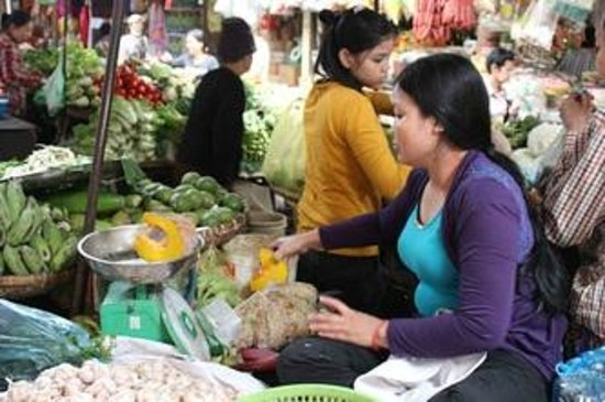 Cambodia Cooking Class: The Local Market